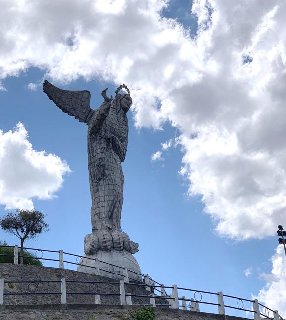Virgen de Quito On El Panecillo